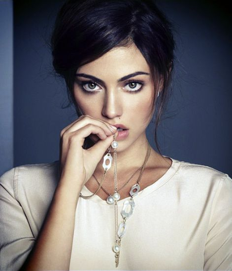 phoebe-tonkin-face-of-jan-logan.jpg